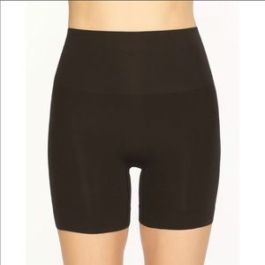 Spanx Everyday Shaping Panties Mid-Thigh Shorts